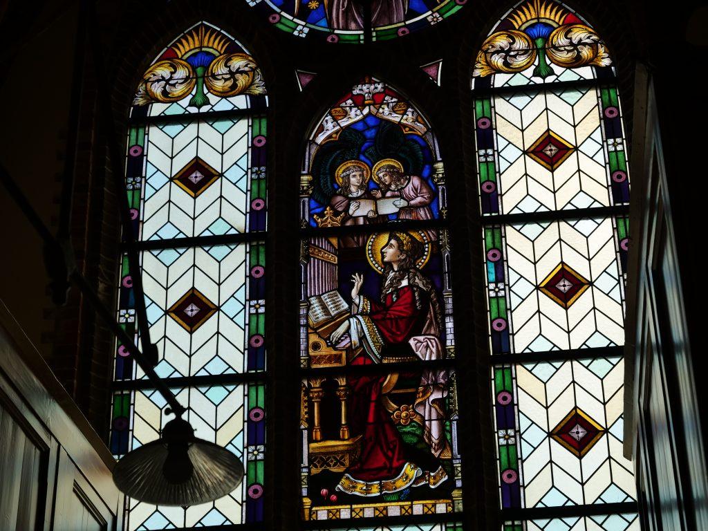 glas in lood kerk oude pekela